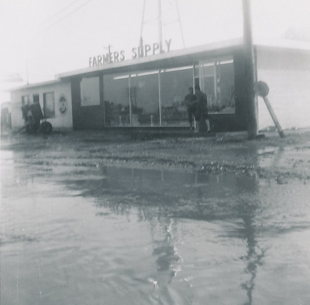 Flooding in Kress 1957